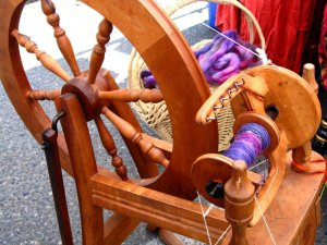 yarn-and-spinning-wheel